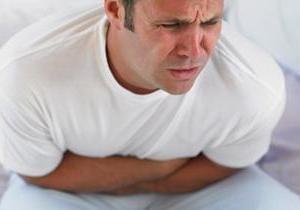 Różne objawy i leczenie zatruć pokarmowych na niestrawność