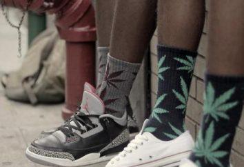 HUF – chaussettes, qui sont devenus une rue de la mode accessoire indispensable