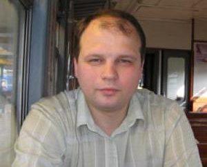 Writer Sergeev Stanislav Sergeevic ei suoi libri fantastici