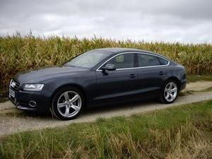Audi A5 Sportback – zaawansowany i prestiżowy samochód klasy średniej