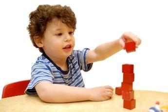 Las actividades educativas con un niño 1 año