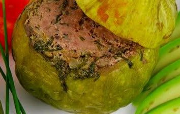Comment faire cuire la courge avec de la viande dans le four. Plusieurs options de cuisson