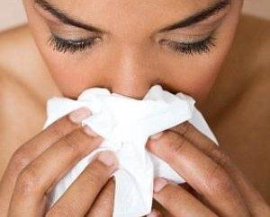 Krwawienie z nosa, co robić? Przyczyny i rozwiązania problemów