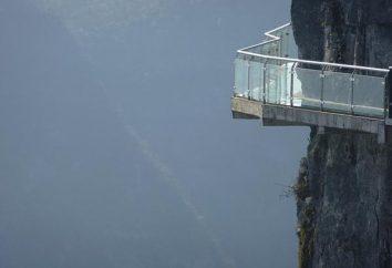 « Le sentier de la terreur » – route de verre sur l'abîme, l'une des attractions de la Chine galvnyh